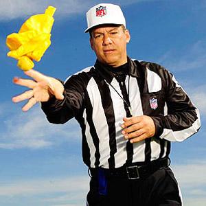 Refree sędzia futbol amerykański flaga przewinienie